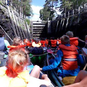 7. Oslo i kanal med kanoer