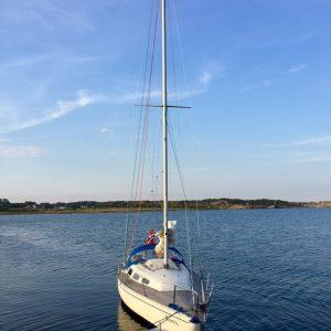Bestum sjøspeiderne båt i sola
